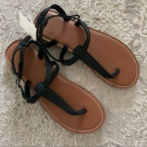 Abercrombie and Fitch BNWT Thing Sandals 